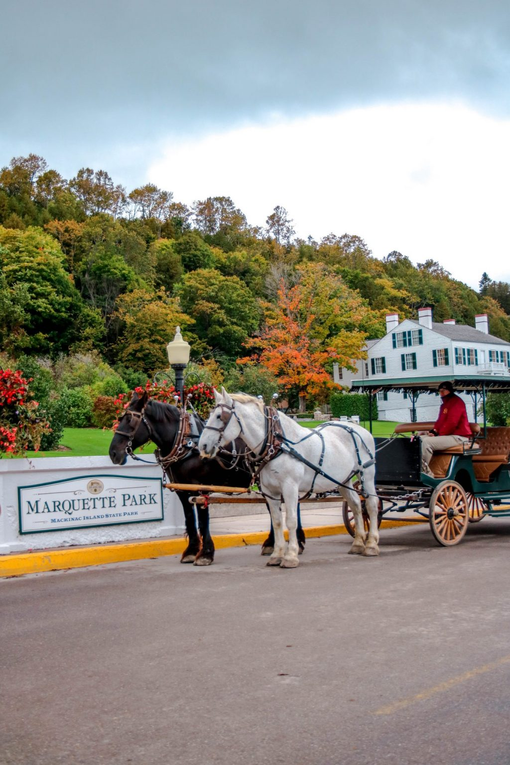 28 Photos Of Mackinac Island During October